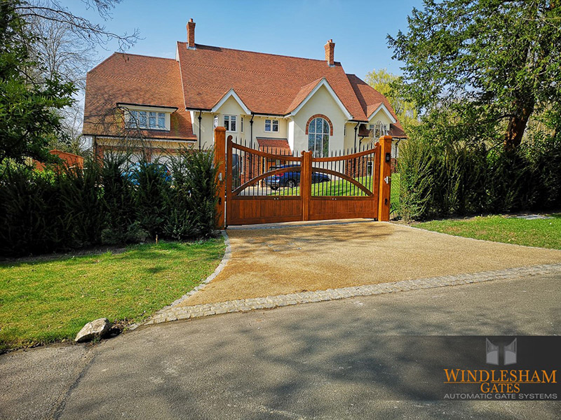 Accoya Gates Crowthorne Berkshire 06