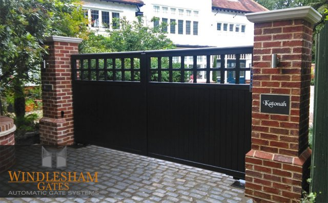 Electric Wooden Gates Automatic Timber Gates