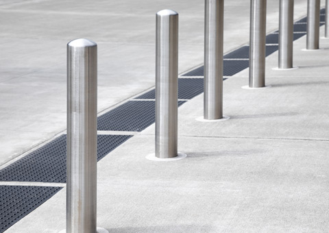Automatic and Manual Bollards