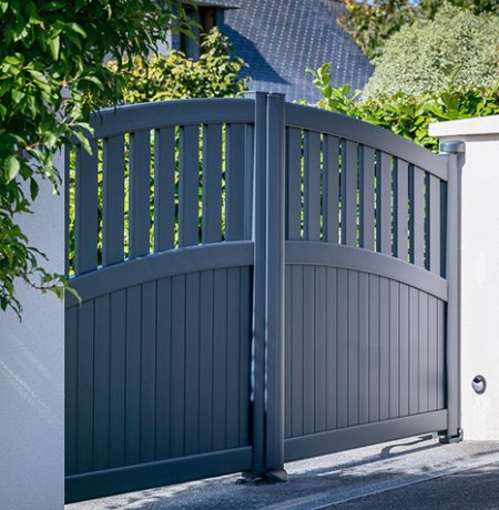 Bow Top Aluminium Gates