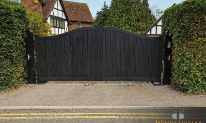 Accoya Swing Gates - Beaconsfield - Buckinghamshire