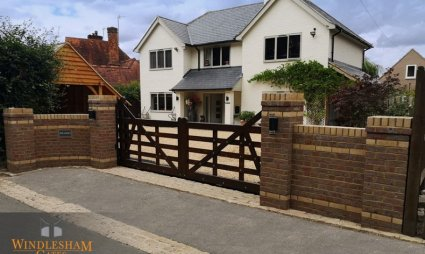 Sliding Accoya Estate Gate - Henley On Thames
