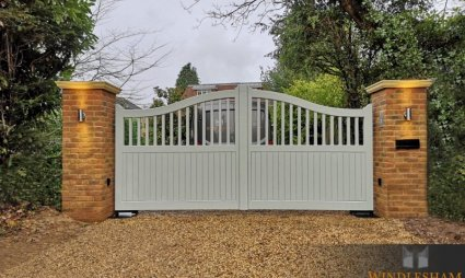 Accoya Swing Gate, Cobham