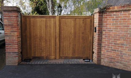 Guildford Accoya Swing Gates