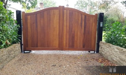 Accoya Gate Teak Finish
