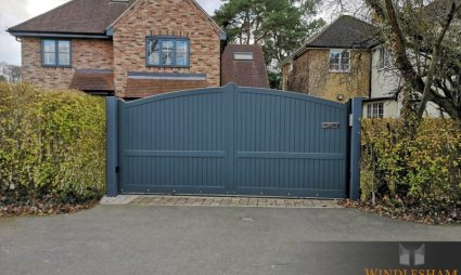 Chertsey, Accoya Sliding Gate