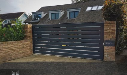 Metal Sliding Gate, galvanised and powder coated