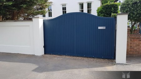 Electric gates installed in Raynes Park